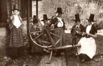 Welshwomenknitting2